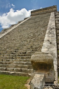 Chichen-Itza-Mayan-2012-Pyramid-Kukulcan-Steps-cZabransky