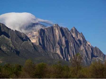 Peaks-Monterrey-Featured