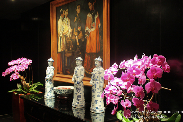 the hallway decour at the Hotel Orchard Singapore
