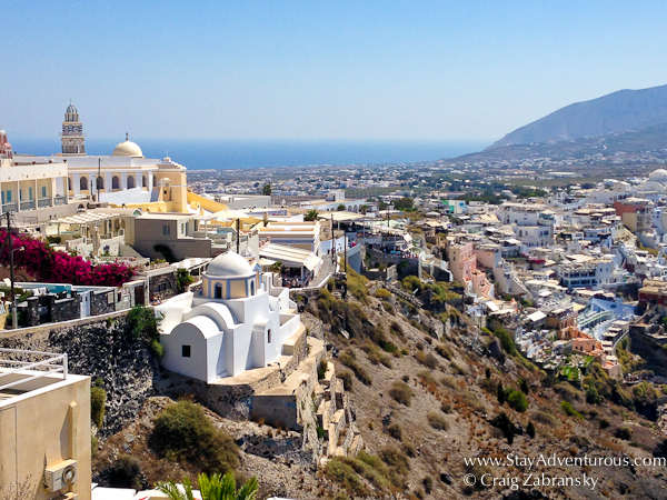 walking to Fira, the best views of santorini