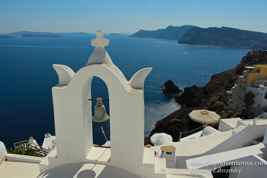 the best views of Santorini from Oia