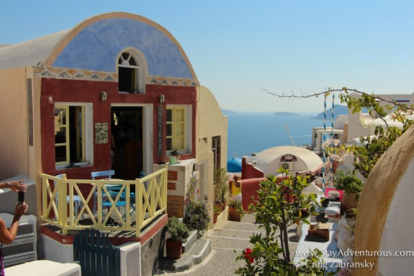 the best views of santorini, the streets of Oia