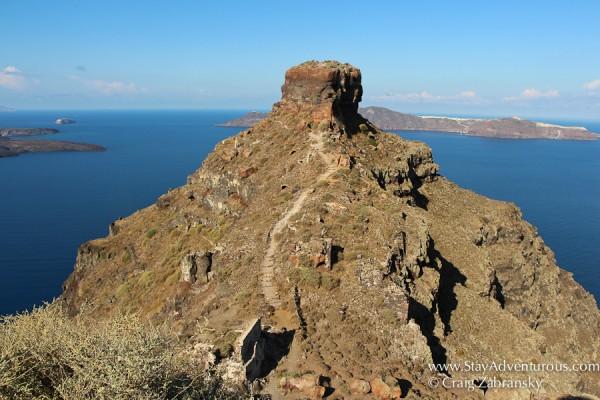 the hike to skaros rock