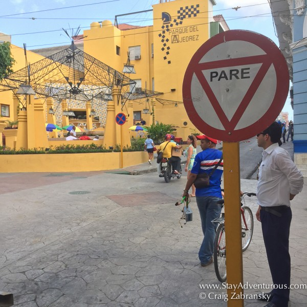 the first stop sign, pare, i noticed in santiago de cuba