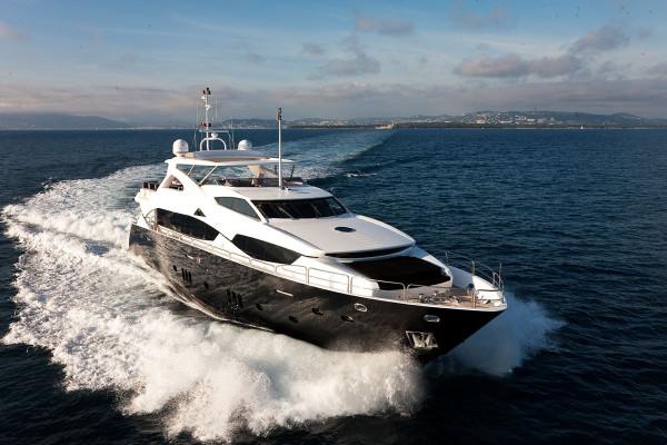 Incrediblue Luxury Yacht charter