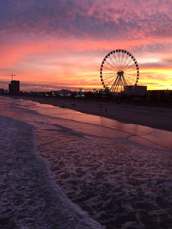 sunset at Myrtle Beach, SC showcasing the SkyWheel