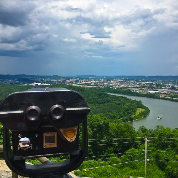 the view from look out mountain chattanooga, tennessee