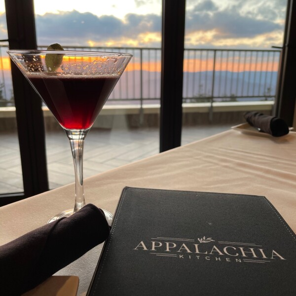 craft cocktails at appalachia kitchen in snowshoe, west virginia